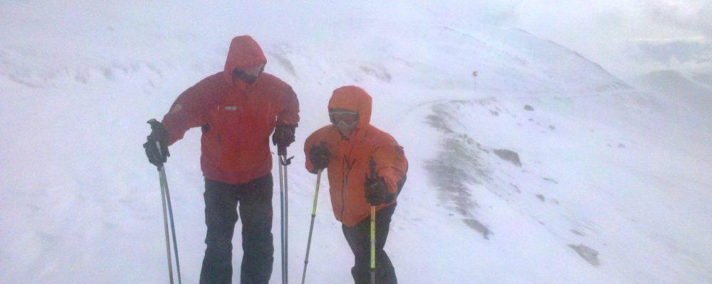 Interventie de 7 ore pentru salvarea a 2 turisti straini din Fagaras